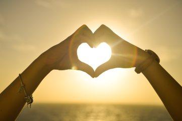 beautiful-hands-heart-5390